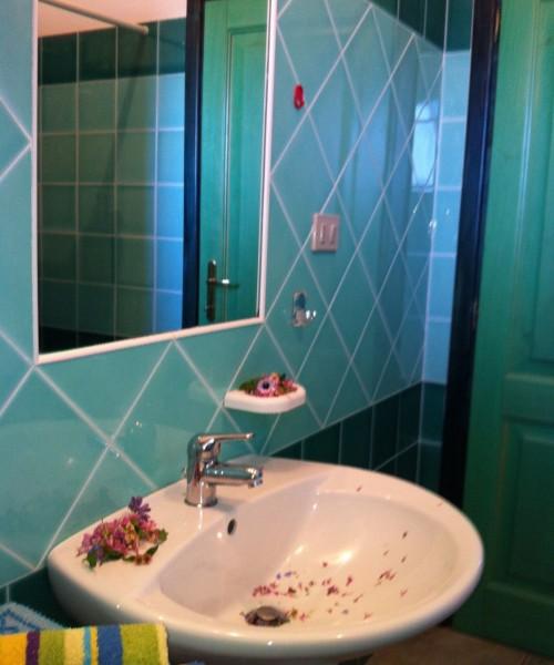 Dettaglio bagno Residence Oasi Blu
